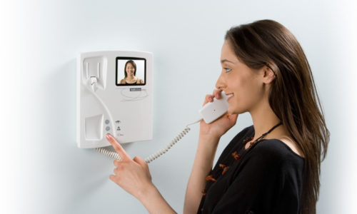 model-BS-video-telephone-in-use-1920x1080